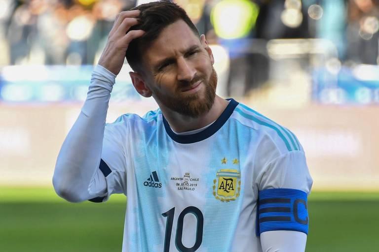 Messi saiu do armário e reclamou muito durante a Copa América, desde os gramados ruins até as marcações, ou não marcações, do VAR