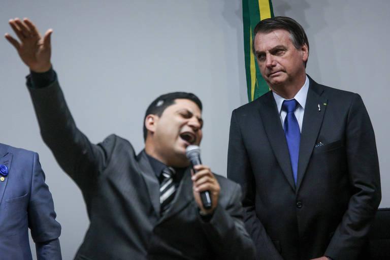 O presidente Jair Bolsonaro participa de culto na Câmara dos Deputados