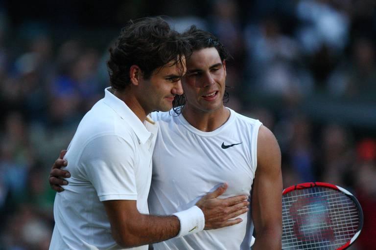 Federer parabeniza Nadal pela vitória na final de Wimbledon em 2008