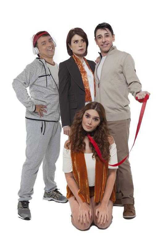 Elenco do espetáculo 'Sylvia', formado por Rodrigo Fagundes, Françoise Forton, Cassio Scapin e Simone Zucato