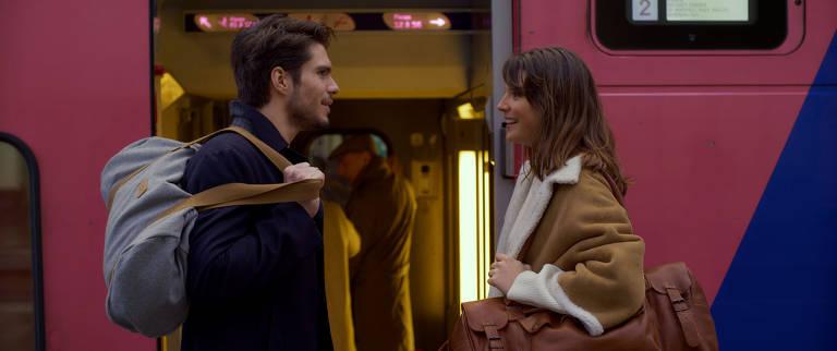 François Civil e Joséphine Japy em cena de 'Amor à Segunda Vista'