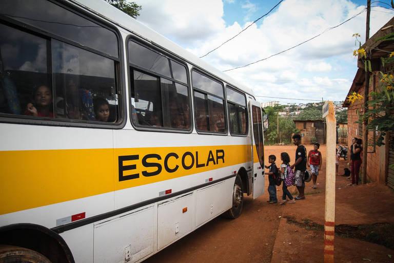 Transporte escolar de estudantes no interior do estado de São Paulo