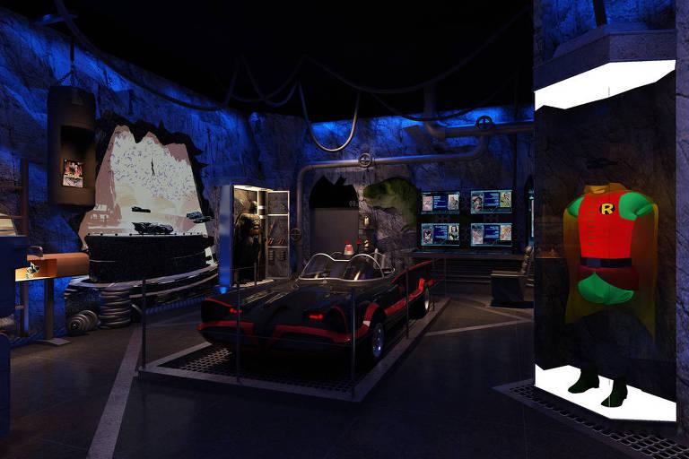 Projeção de como será a batcaverna na mostra 'Batman 80 – A Exposição', no Memorial da América Latina