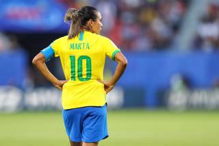 Marta, da seleção brasileira feminina, durante partida contra a Itália