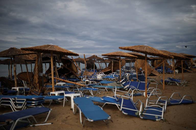 Chuva de granizo e tornados matam turistas na Grécia