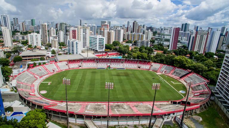 Clubes de futebol tentam leiloar estádios para quitar dívidas
