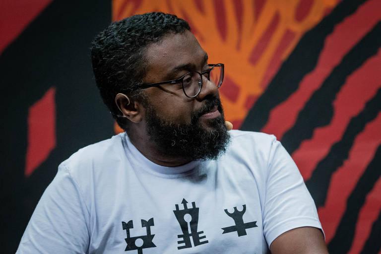 "Marcelo D`Salete, autor de ""Cumbe"" e ""Angola Janga"", durante a mesa Zé Kleber/Cumbe"