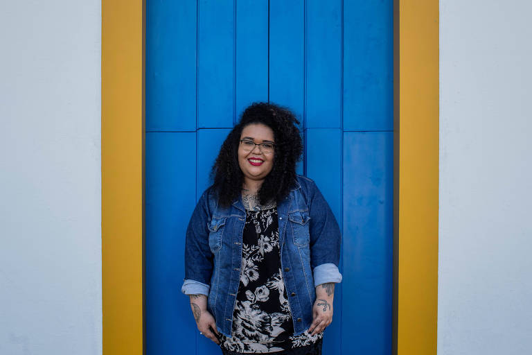 Escritora cearense Jarid Arraes, 28, nas ruas de Paraty