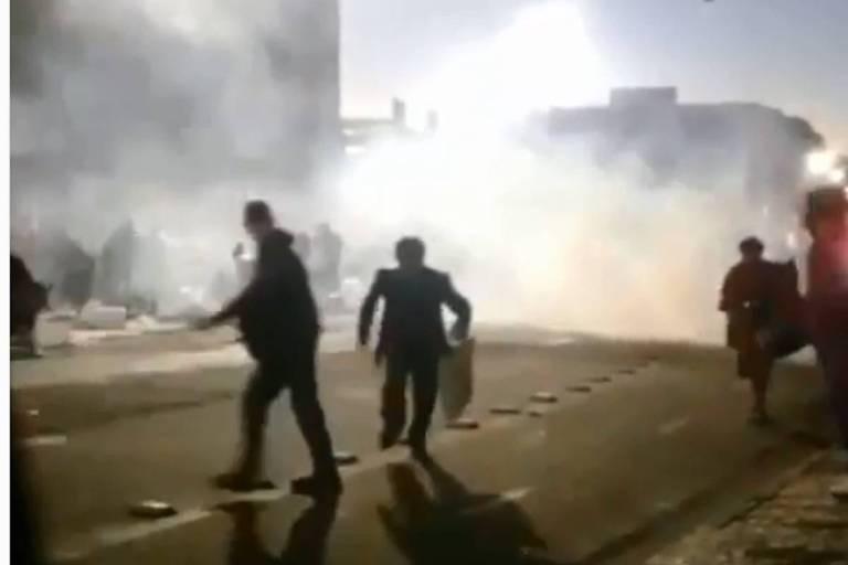 Confusão na cracolândia interdita vias no centro de São Paulo