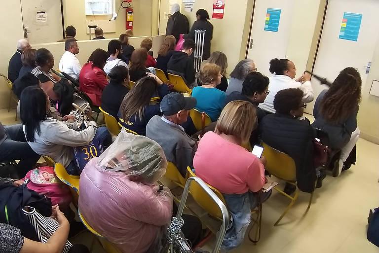 Hospital Municipal, da rua Castro Alves (SP), com o Pronto Socorro com quase quatro horas de espera para receber atendimento médico