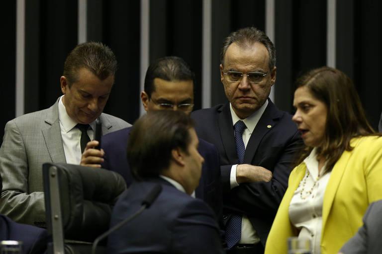 Deputados debatem a reforma da Previdência na Câmara, no terceiro dia de discussão sobre a medida; na sexta (12), foram votados destaques