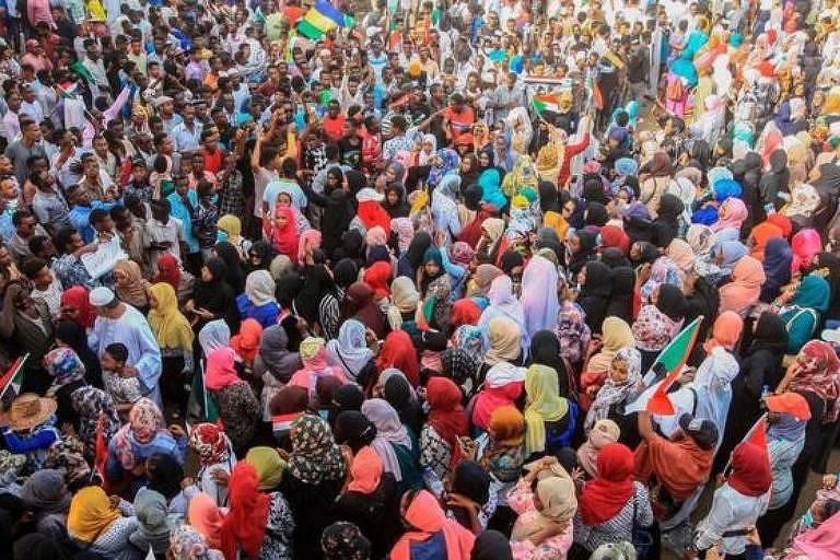 Os protestos pacíficos têm duas vezes mais chances de serem bem-sucedidos do que os conflitos armados