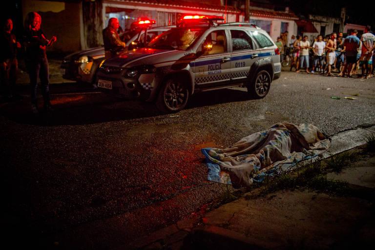 Polícia atende a um caso de homicídio em Belém. A capital paraense é uma das mais violentas do país