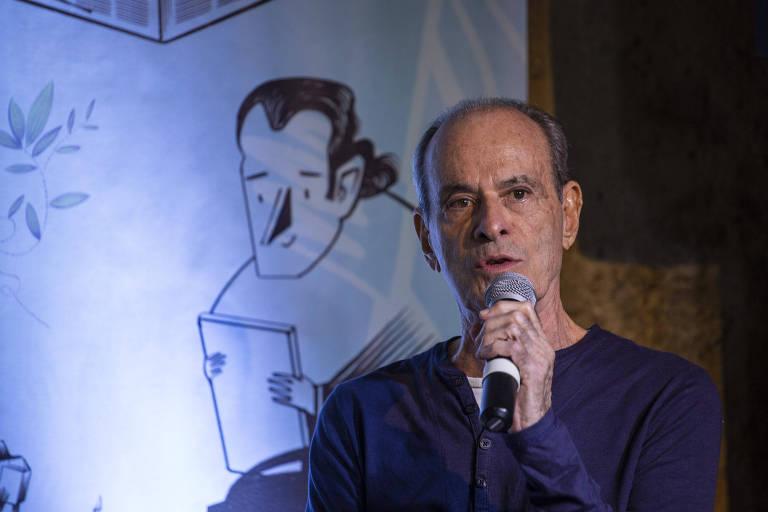 Ney Matogrosso durante mesa da Casa Folha