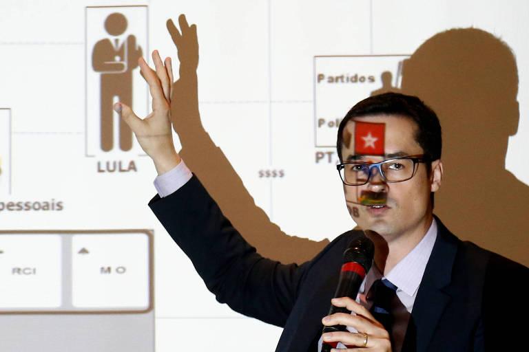 O procurador Deltan Dallagnol, na entrevista coletiva em que apresentou Powerpoint sobre Lula, em 2016