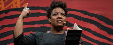 PARATY, RJ, BRASIL, 13-07-2019: Grace Passô, durante a mesa 16 - Poço de Cima, como parte da Flip 2019, em Paraty, no estado do Rio de Janeiro. (Foto: Eduardo Anizelli/ Folhapress, ILUSTRADA) ***EXCLUSIVO***