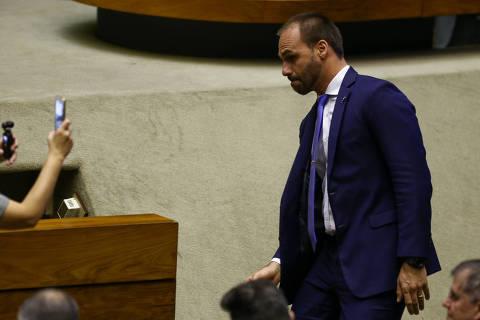 Líder do governo no Senado diz ter maioria para aprovar indicação de Eduardo como embaixador