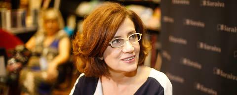 SÃO PAULO, SP, 22.02.2017: LIVRO-LANÇAMENTO - A jornalista Miriam Leitão no lançamento do seu livro