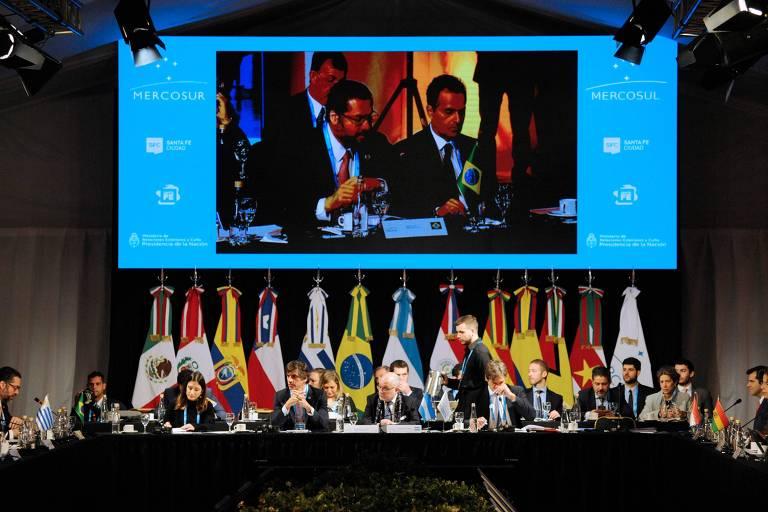 Ernesto Araújo participa de cúpula do Mercosul ao lado do ministro de Relações Exteriores da Argentina, Jorge Faurie