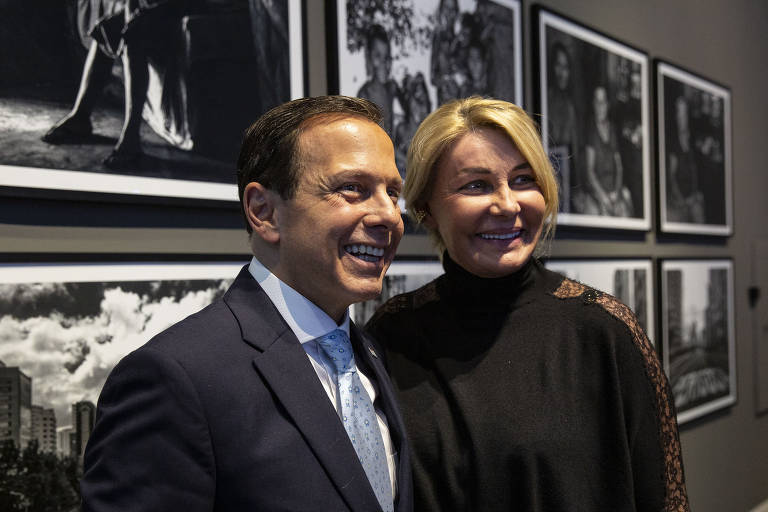 João Doria (PSDB) e a primeira-dama Bia Doria durante evento no Palácio dos Bandeirantes, sede do governo paulista, em julho