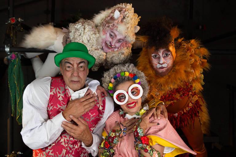 Elenco de 'Dorotéia, a Velhinha  que Gostava de Dançar', em cartaz no Sesc Santana