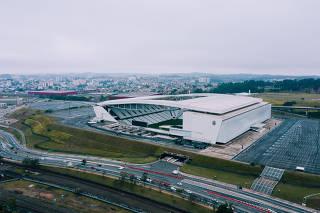 Vista externa da Arena Corinthians, popularmente conhecida como Itaquerão