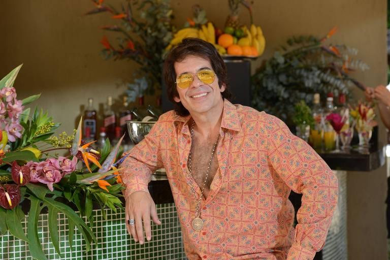 Leandro Hassum no filme Simonal