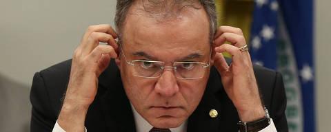 BRASÍLIA, DF, 13.06.2019:  O deputado Samuel Moreira, relator da Comissão Especial da Reforma da Previdência, durante sessão de apresentação e leitura de seu relatório na comissão. (Foto: ANDRE COELHO/Folhapress)