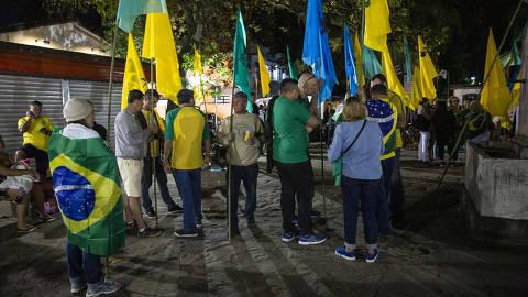 PARATY, RJ, BRASIL. 12.07.2019 Protesto de apoiadores do ex-juiz Sergio Moro contra a presena do jornalista Glenn Greenwald na Flipei, na Praa do Chafariz. (Foto: Mathilde Missioneiro/Folhapress)