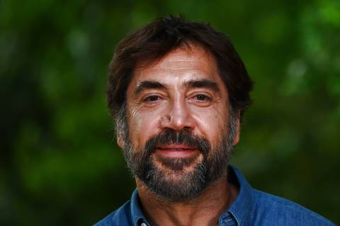 Spanish actor Javier Bardem poses during a photocall organized by the environmental action group Greenpeace in Madrid on June 20, 2019 to support a Global Ocean Treaty. (Photo by GABRIEL BOUYS / AFP)