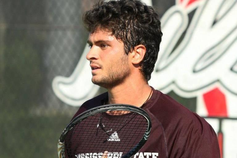 O tenista Pedro Dumont, que morreu na sexta-feira (12).