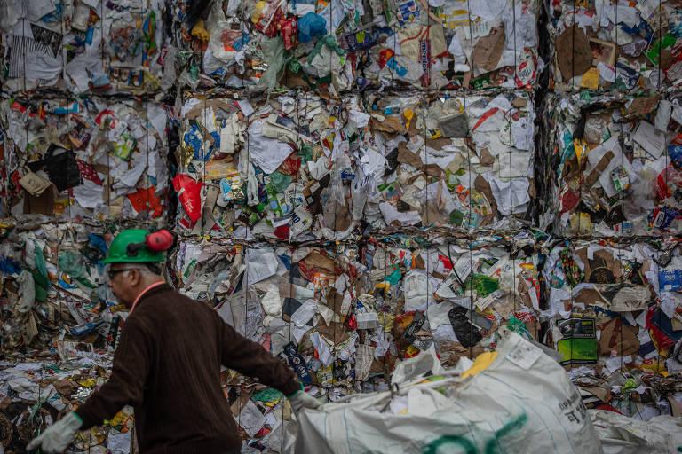 Central tem capacidade para processar 250 toneladas de recicláveis