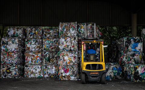 SÃO PAULO, SP, BRASIL, 16-07-2019: A Estação de Transbordo Ponte Pequena, que recebe parte do lixo reciclável da cidade de São Paulo. (Foto: Bruno Santos/ Folhapress) *** FSP-COTIDIANO *** EXCLUSIVO FOLHA***