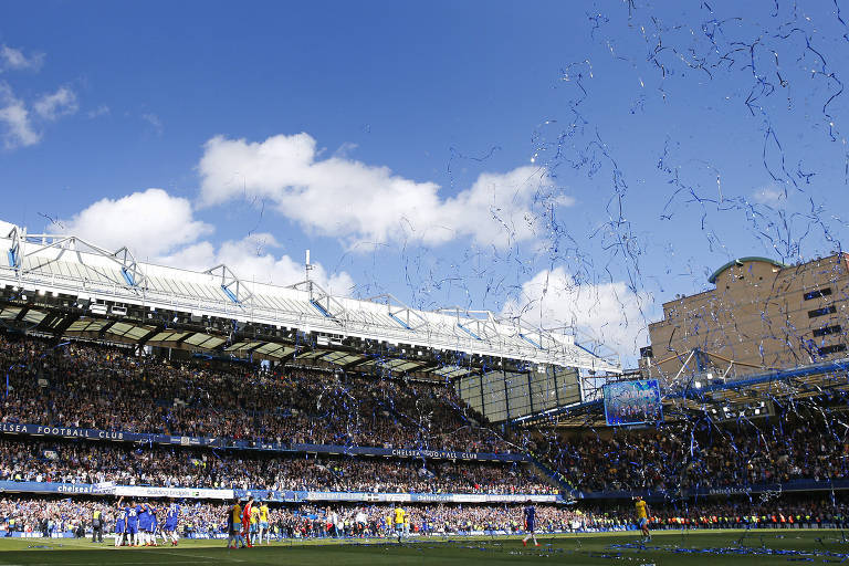 Casa do Chelsea, o estádio Stamford Bridge também recebe encontros empresários e olheiros de clubes de todo mundo para rodadas de negociações de atletas