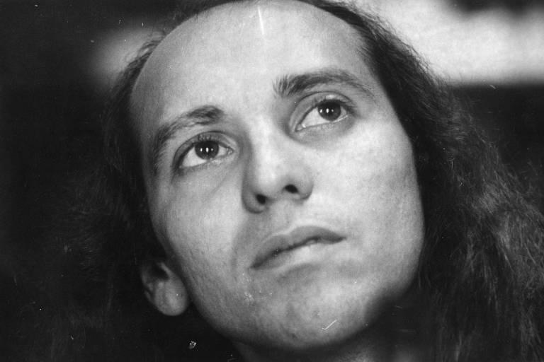 O cantor e compositor Ednardo em 1980