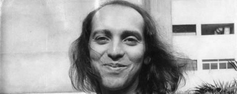 LOCAL DESCONHECIDO, 00-11-1980: Música: o cantor e compositor Ednardo. (Foto: Folhapress)