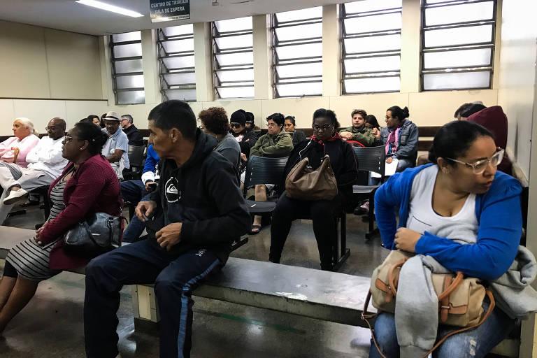 Crise econômica sobrecarrega SUS em São Paulo e consultas sobem 10%