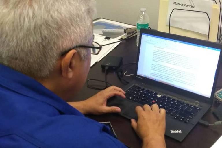ministro e astronauta marcos pontes escreve texto para a Folha; Ministro da Ciência, Tecnologia, Inovações e Comunicações. É astronauta e tornou-se o primeiro brasileiro a ir ao espaço, em 2006