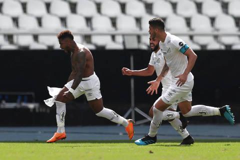 Soccer Football - Brasileiro Championship - Botafogo v Santos - Nilton Santos Stadium, Rio de Janeiro, Brazil - July 21, 2019   Santos' Marinho celebrates scoring their first goal   REUTERS/Ricardo Moraes ORG XMIT: AIMEX