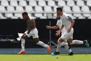 Brasileiro Championship - Botafogo v Santos