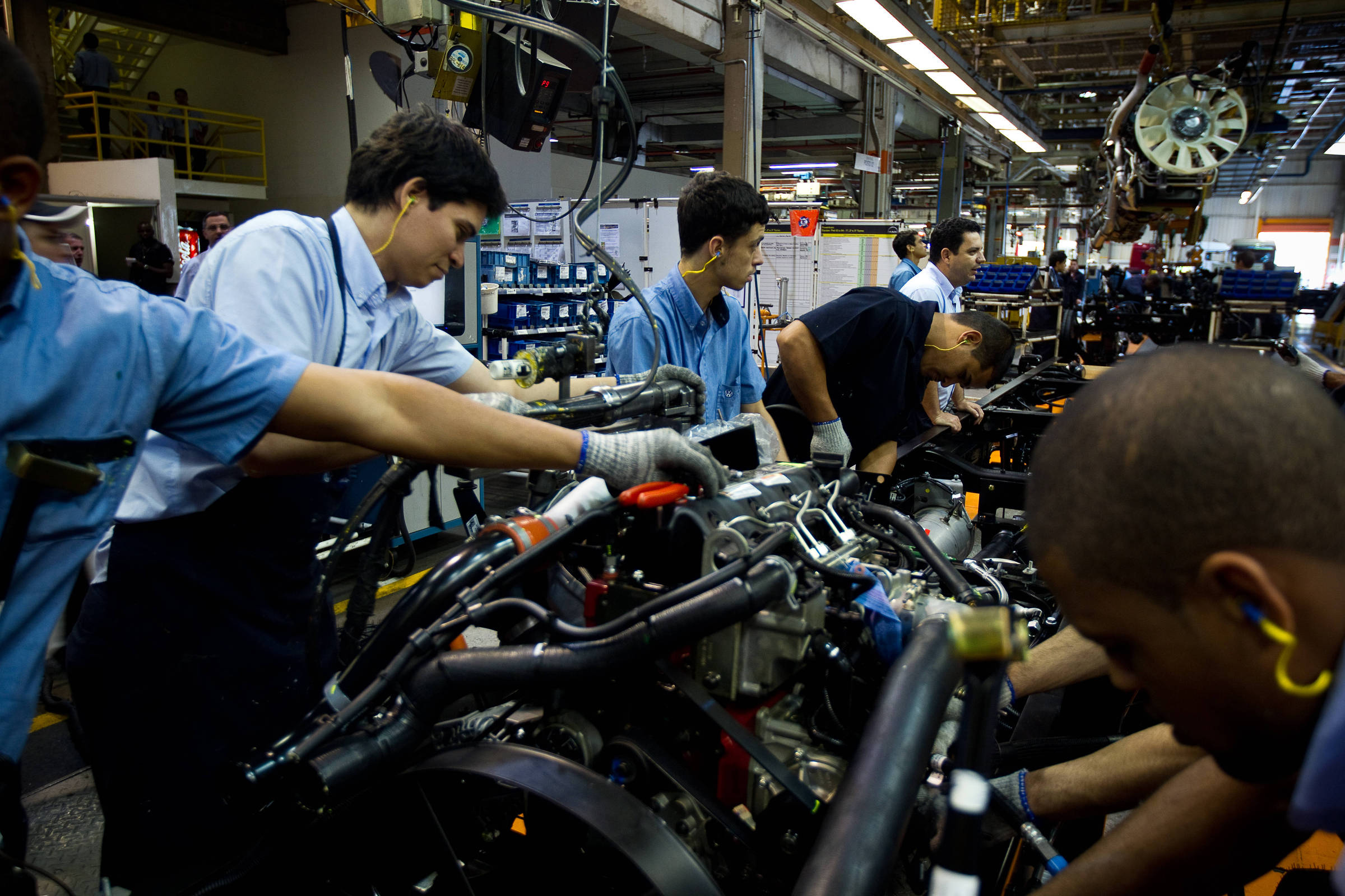 Pandemia destruiu produção industrial brasileira em abril