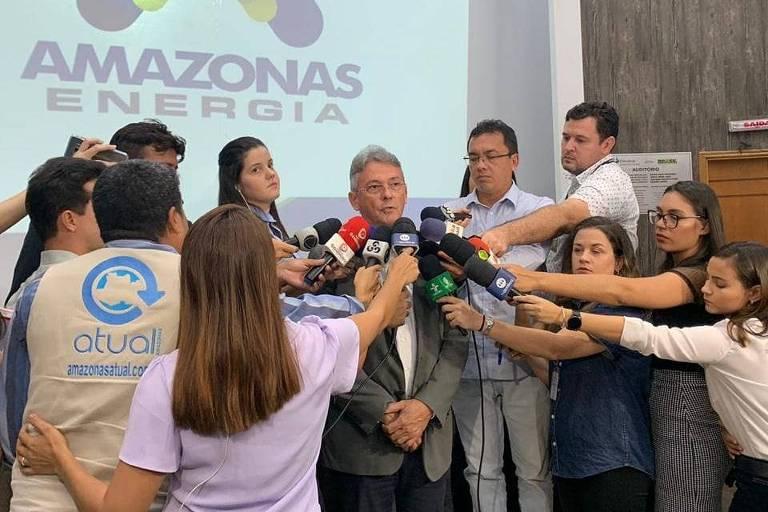 Tarcísio Rosa, diretor-presidente da Amazonas Energia, em coletiva de imprensa