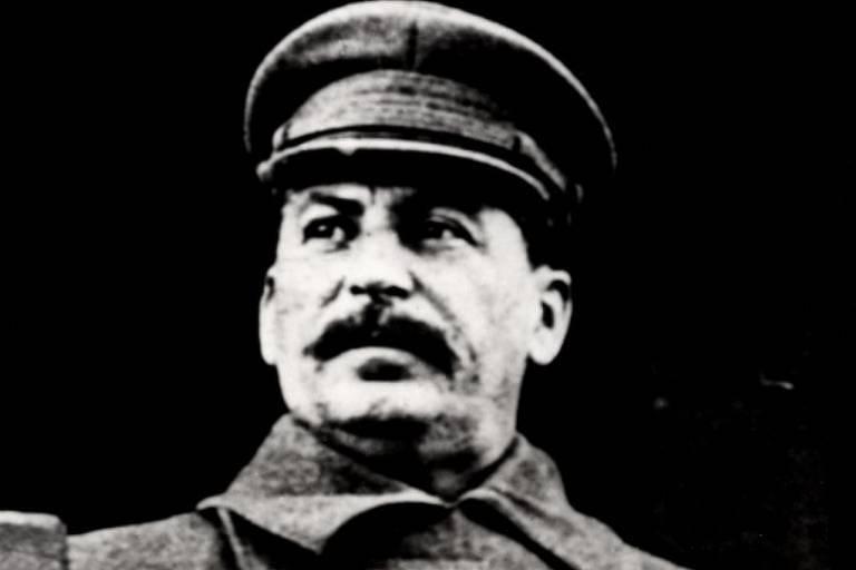 Retrato oficial de Josef Stalin em 1934