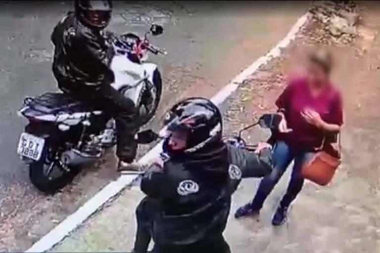 Pai e filho roubam celulares na zona sul de SP