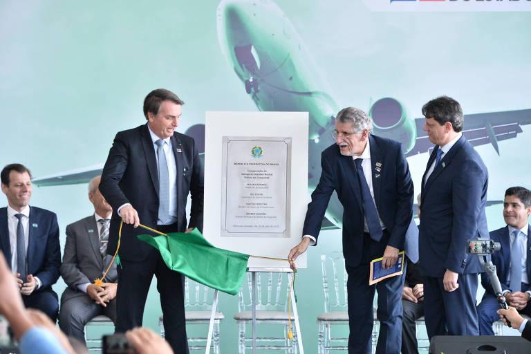Resultado de imagem para Bolsonaro inaugura aeroporto em Vitória da Conquista
