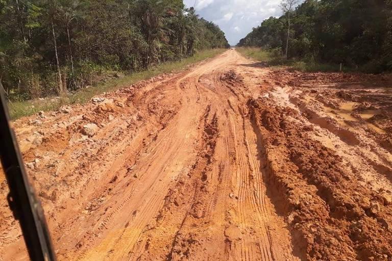 A rodovia BR-319 liga a capital do Amazonas a Porto Velho