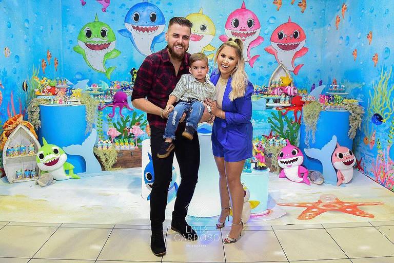 O cantor Zé Neto, dupla com Cristiano, e sua esposa Natália Toscano celebraram os dois anos do pequeno José Filho