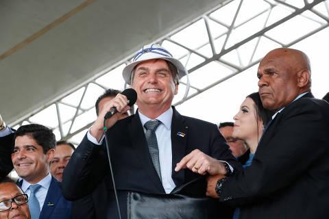 'Toda e qualquer vacina está descartada', diz Bolsonaro após polêmica com Doria