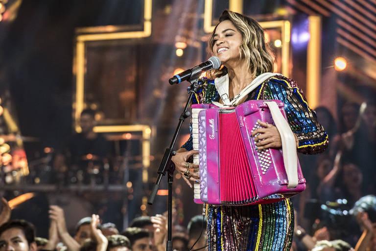Lucy Alves apresentou o Só Toca Top ao lado de Wesley Safadão