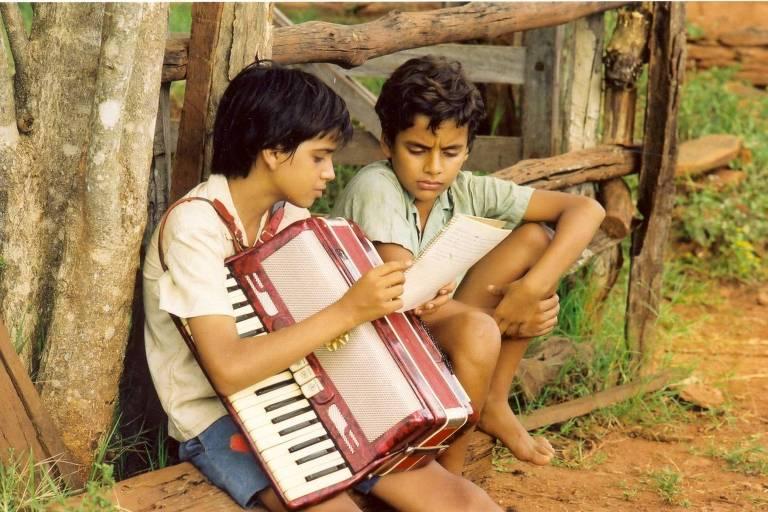 """O filme """"Dois Filhos de Francisco"""", que narra a vida da dupla formada por Zezé di Camargo e Luciano, é considerado uma das maiores bilheterias do país e teve auxílio da Lei Rouanet"""